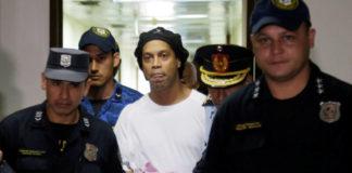 Ronaldinho sale de prisión - Noticiero de Venezuela