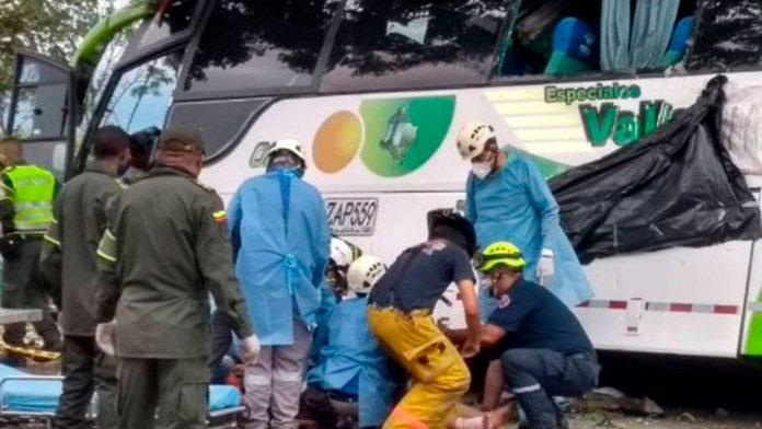 dos muertos accidente bus Colombia - NDV