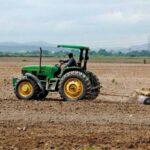 Escasez de gasolina afecta labores en los campos del país - Noticiero de Venezuela