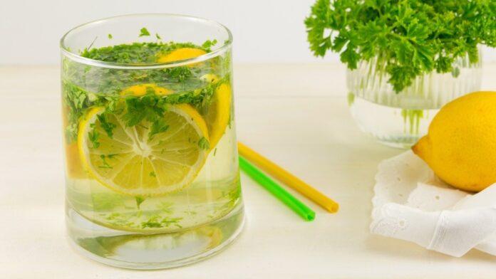 Agua de perejil con limón - NDV