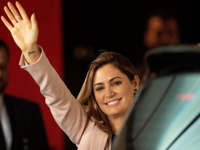 Esposa de Bolsonaro tiene coronavirus - NDV