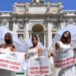 Novias protestan en Italia- NDV