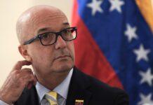Simonovis aplaude la incautación de barcos - Noticiero de Venezuela