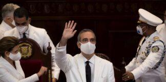 Abinader pide no poner sus fotos en oficinas - NDV
