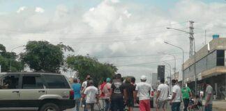 Chóferes trancan avenida Libertador - NDV