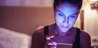 Efectos de la luz del celular en la piel - NDV