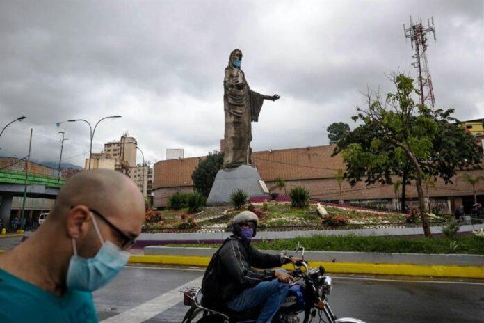 Venezuela supera por tercer día su récord de casos - noticiero de Venezuela