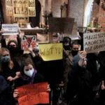 Protestas contra la casi total prohibición del aborto en Polonia - NDV