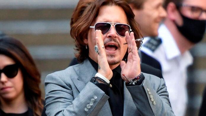 Johnny Depp fuera de animales fantasticos - NDV