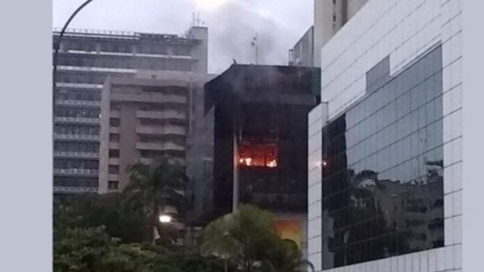 Incendio en torre del Saren en Altamira - ndv