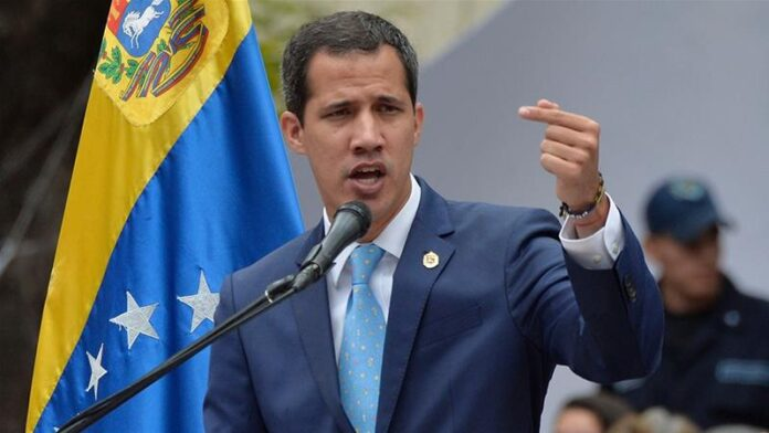 Maduro inhabilitó por 15 años a Juan Guaidó