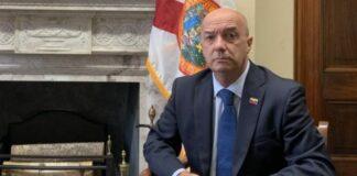 Iván Simonovis renunció