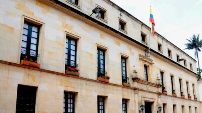 expulsión de funcionario cubano de Bogotá