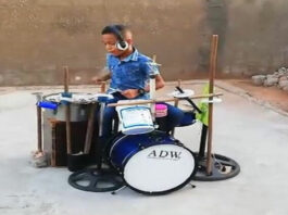 Niño fabricó batería musical con desechos