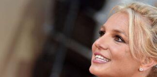 Britney Spears suplicó
