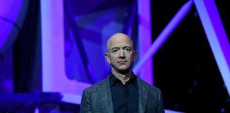Jeff Bezos deja el cargo