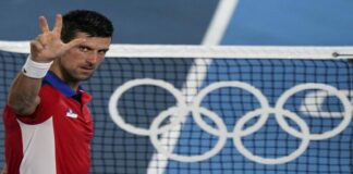 Djokovic a semifinales en Tokio