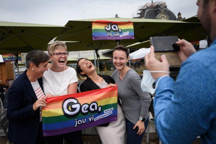 Suiza sí al matrimonio igualitario