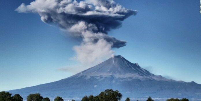 Volcán Popocatépetl registró explosión