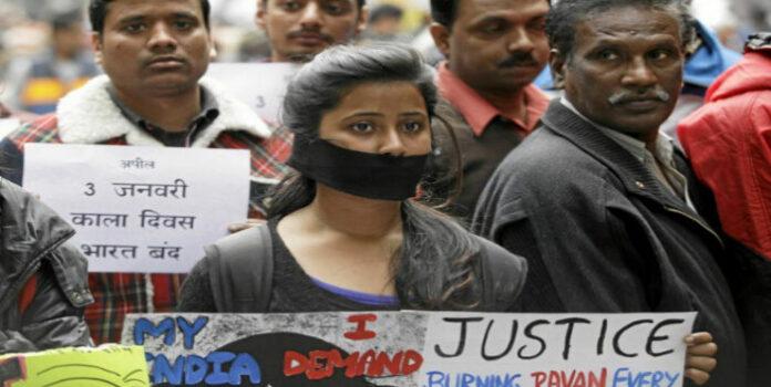 Mujer india muere quemada