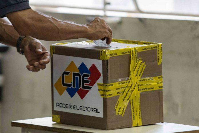El CNE convoca simulacro electoral