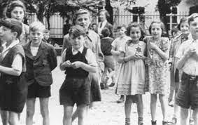 Niños judios en gueto