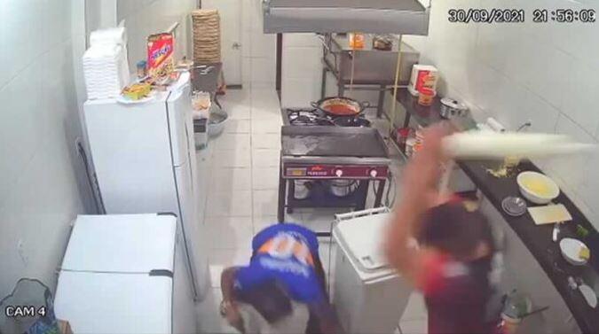 Ladrón entró a robar una pizzería