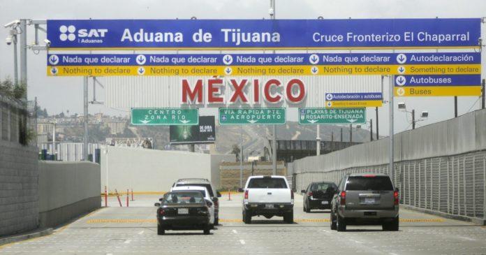 México celebra reapertura de la frontera